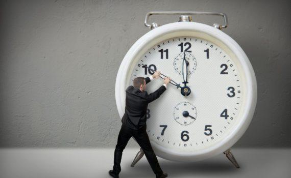 Смяна на часовото време.